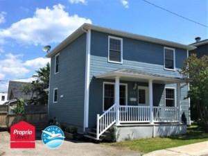 15706810 - Maison à étages à vendre