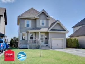 22066876 - Maison à étages à vendre