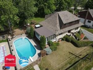 11062798 - Maison à étages à vendre