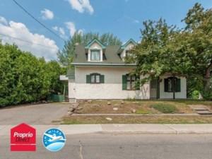 23486417 - Maison à étages à vendre