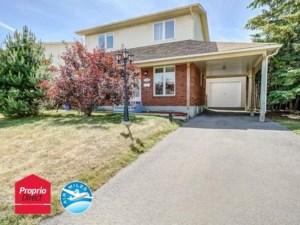 12434702 - Maison à étages à vendre