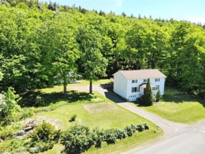 11324411 - Maison à étages à vendre