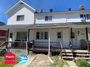 14174700 - Maison à étages à vendre