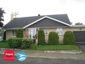 24930380 - Maison à étages à vendre