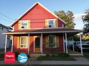 18771694 - Maison à étages à vendre