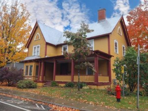 20805603 - Maison à étages à vendre