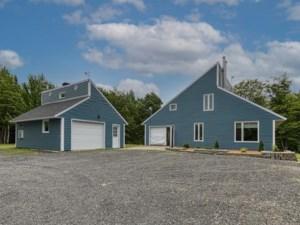 24023813 - Maison à étages à vendre