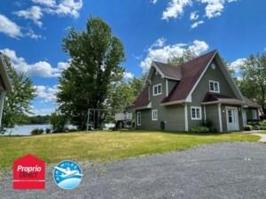 13751861 - Maison à étages à vendre