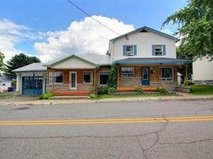 22741259 - Maison à étages à vendre