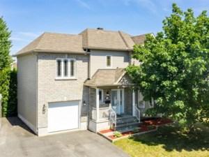 23607113 - Maison à étages à vendre