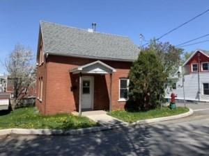 18805051 - Maison à étages à vendre