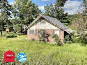 10628333 - Maison à étages à vendre