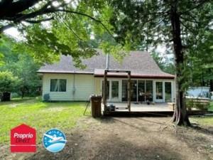 26554053 - Maison à étages à vendre