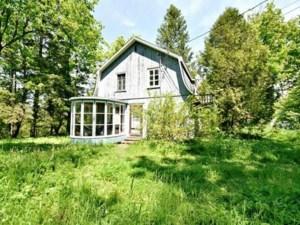 23650882 - Maison à étages à vendre