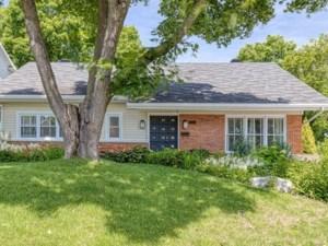 27551178 - Maison à étages à vendre