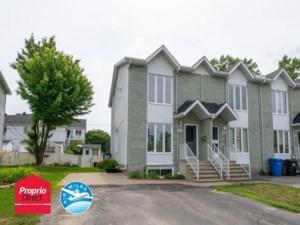 18229107 - Maison à étages à vendre
