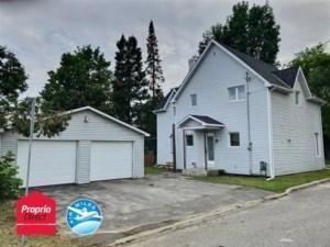 22755636 - Maison à étages à vendre