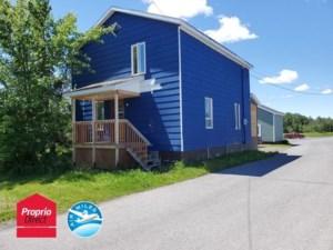 27896492 - Maison à étages à vendre