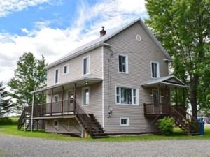 22982908 - Maison à étages à vendre