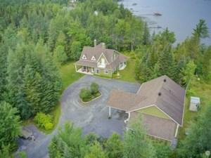 18074591 - Maison à étages à vendre