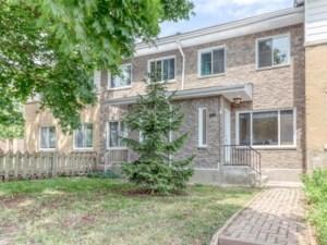 24318929 - Maison à étages à vendre