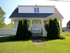 27979245 - Maison à étages à vendre