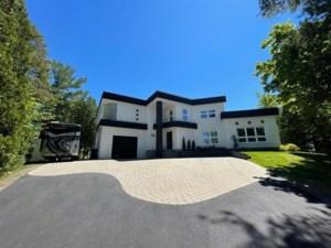 16108175 - Maison à étages à vendre