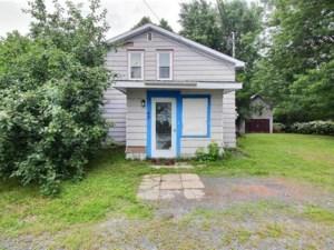 22990323 - Maison à étages à vendre