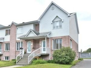 26145234 - Maison à étages à vendre