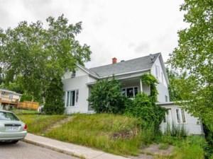 16830693 - Maison à 1 étage et demi à vendre