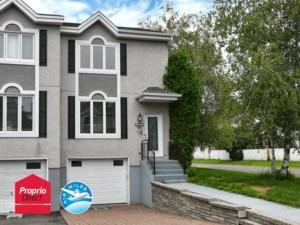 23868916 - Maison à étages à vendre