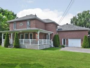 24628073 - Maison à étages à vendre