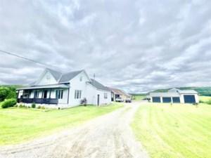 25069093 - Maison à étages à vendre