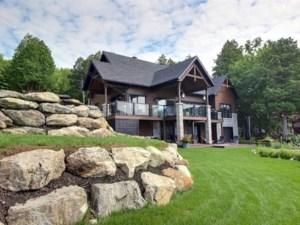 28097587 - Maison à étages à vendre