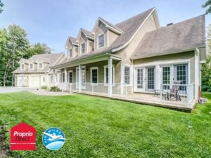28086535 - Maison à étages à vendre