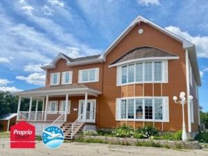18052287 - Maison à étages à vendre