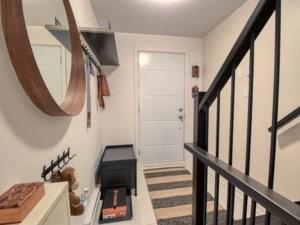 27246239 - Maison à étages à vendre