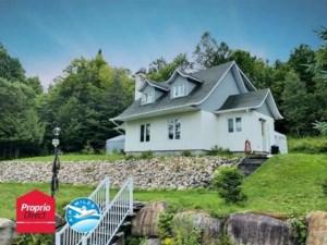 15730769 - Maison à étages à vendre