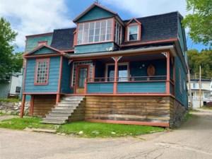 22137256 - Maison à étages à vendre