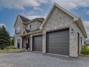 21996764 - Maison à étages à vendre