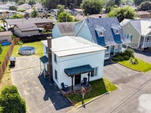 16012900 - Maison à étages à vendre