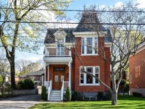 24628811 - Maison à étages à vendre