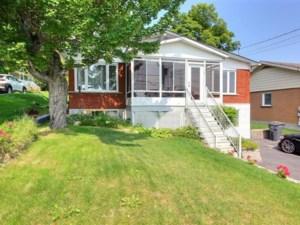 27510894 - Maison à étages à vendre