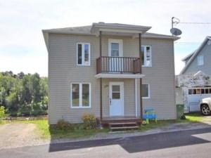 24171164 - Maison à étages à vendre
