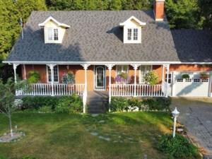 27834341 - Maison à étages à vendre