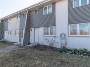 24414539 - Maison à étages à vendre