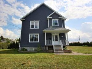 19147878 - Maison à étages à vendre