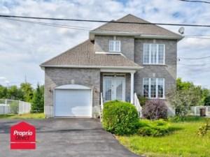 15958154 - Maison à étages à vendre