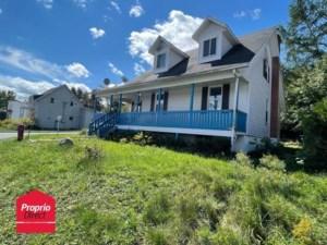 16643007 - Maison à étages à vendre