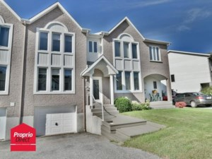 9673955 - Maison à étages à vendre